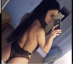 Doryne escort girl in Duncanville
